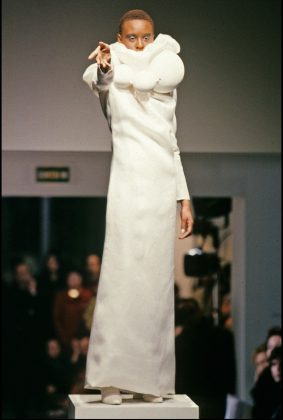 7 1 HERITAGE 1998 January First Haute Couture Show